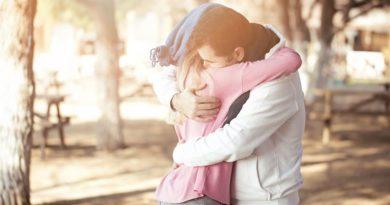 Abbracci e salute